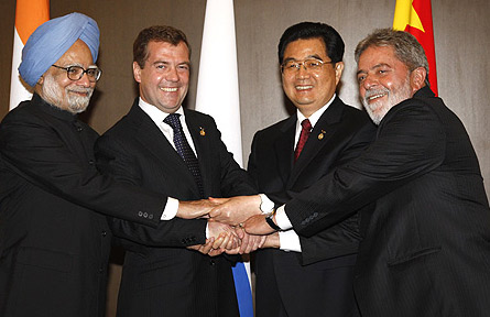 Indian Prime Minister Manmohan Singh, Russian President Dmitri Medvedev, Chinese President Hu Jintao, Brazilian President Luiz Inacio Lula da Silva  -  photo from www.kremlin.ru