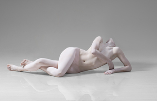 ©Lois Greenfield 2009 Title: Sara Procopio/ SHEN WEI DANCE ARTS
