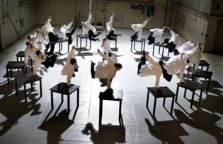 "Cullberg Ballet : ""40m under"" Choreography Alexander Ekman Image © Urban Jörén"