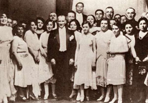 Atatürk at the New Year's ball in 1929. Wikimedia Commons/Hariciye Köşkü. Public domain.