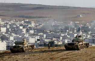 Turkish tanks outside of Suruç